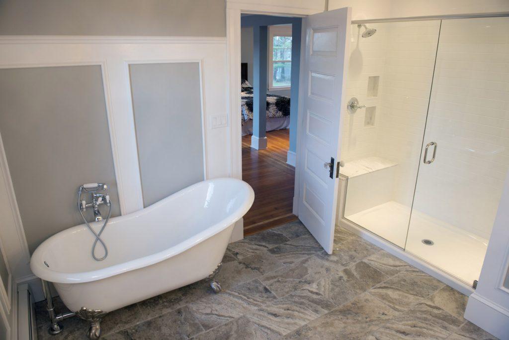funkcjonalna łazienka, łazienka dla niepełnosprawnych, przystosowana łazienka, wózek elektryczny, wózek inwalidzki