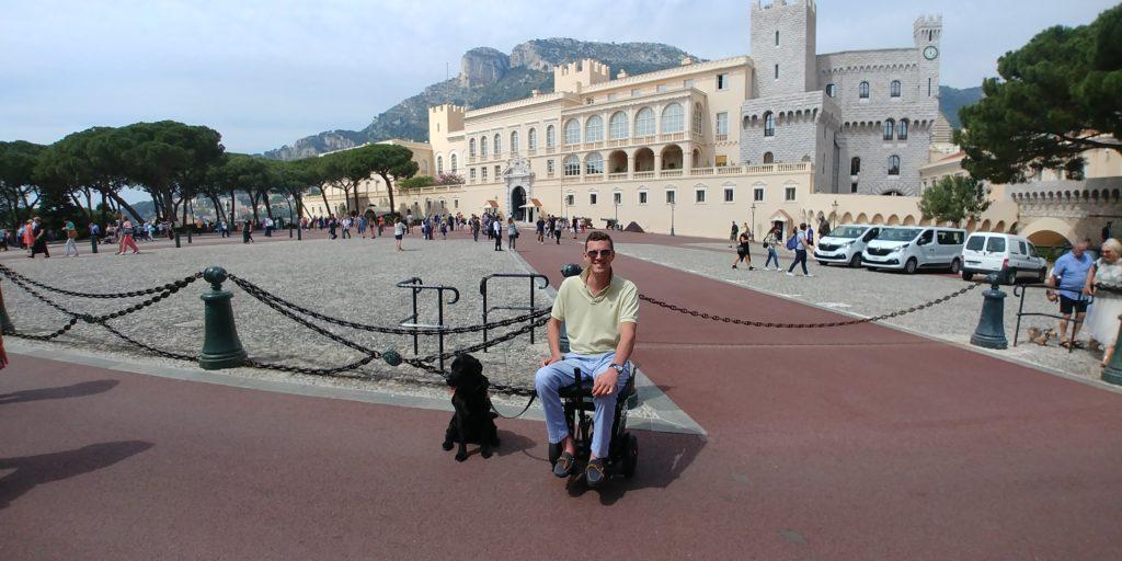 Monako, wózek elektryczny, Monako na wózku elektrycznym, Monte Carlo, wózek inwalidzki, podróże dla osób niepełnosprawnych, wielofunkcyjny wózek inwalidzki, elektryczny wózek inwalidzki, podróże na wózku, podróże na wózku inwalidzkim